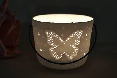 Kerzenfarm Hahn Windlichthalter 32972 Becher mit Henkel, Schmetterling, Teelichthalter, Porzellan - 1