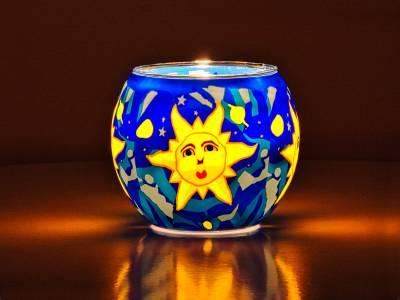 Leuchtglas Nr.77 ohne Wachs Ø11cm Dekoration Licht Windlicht Teelichthalter Motiv Sonne - 1