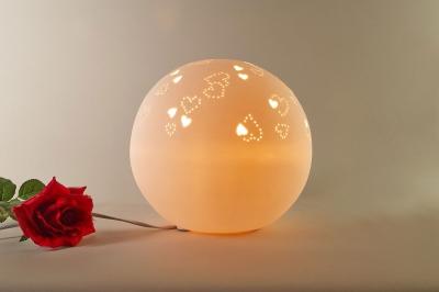 Tischlampe, Tischleuchte, Porzellan, Deko, Licht, Durchbrüche, Herz, rund, Ø25,5cm - 1