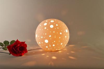 Tischlampe, Tischleuchte, Porzellan, Dekoration, Licht, Durchbrüche rund, Ø21cm - 1